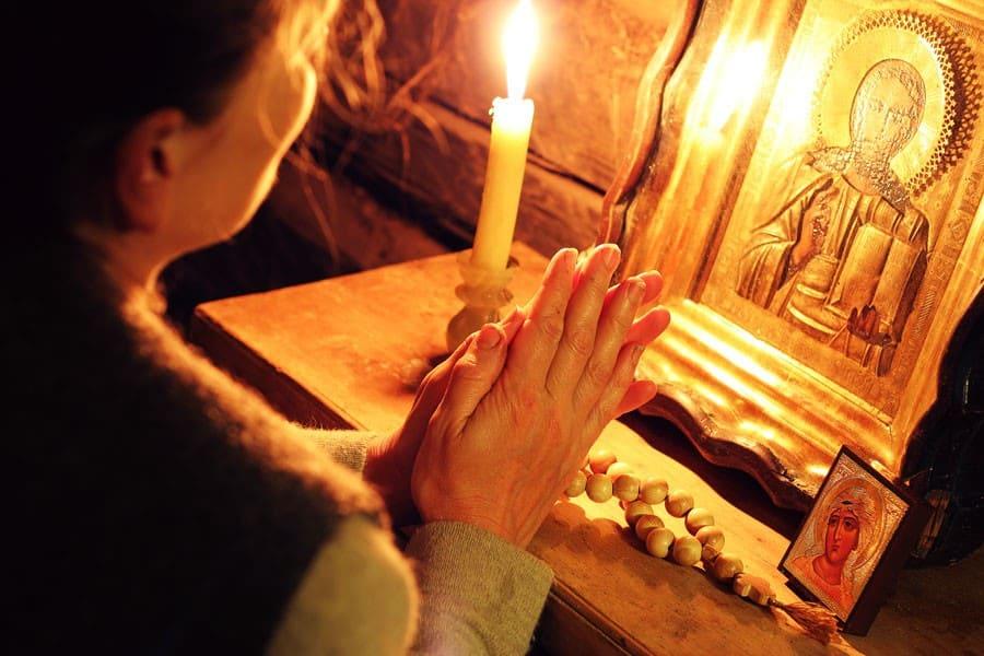 Молитва на очищение жилища. Молитва для очищения помещения на работе