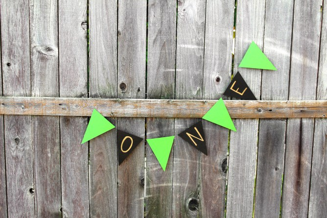 How to make a paper garland for a photoshoot!
