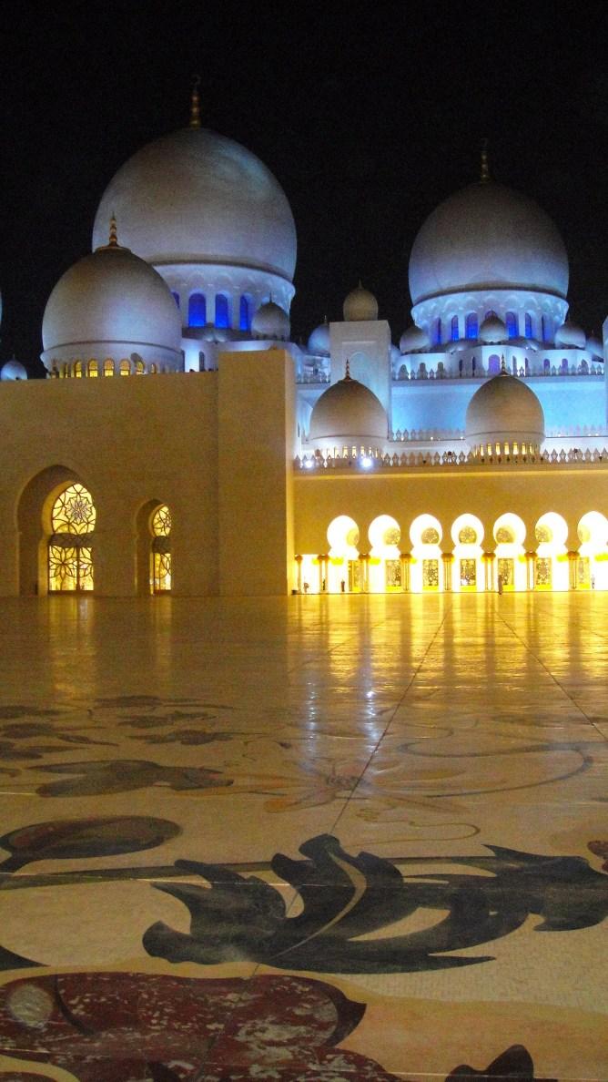Sheikh Zayed Mosque Abu Dhabi 13