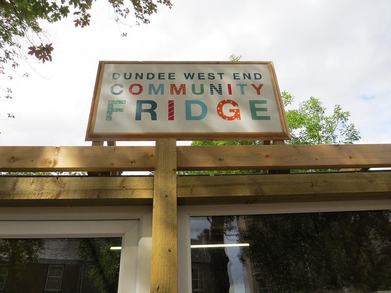 Dundee community fridge sign