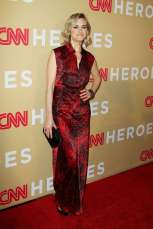 Taylor-Schilling--CNN-Heroes-2015--02