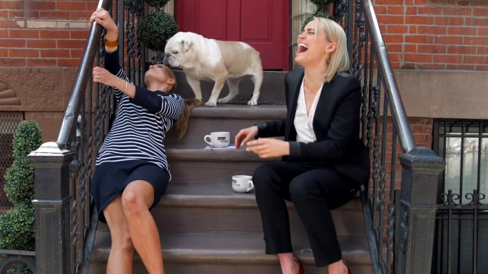Talk Stoop featuring Taylor Schilling.mp4_20160110_191345.847