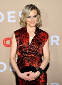 taylor-schilling-at-cnn-heroes-2015-in-new-york-08