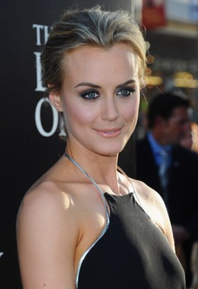 """Premiere Of Warner Bros. Pictures' """"The Lucky One"""" - Red Carpet"""