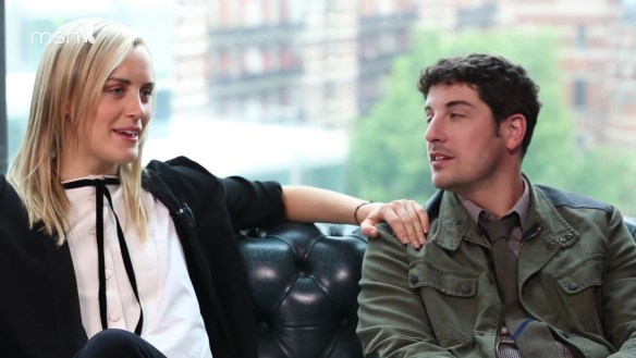 MSN Meets Taylor Schilling & Jason Biggs.mp4_20160309_071609.487