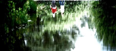 Kinder im Wasser
