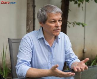 Cresc sansele lui Ciolos la sefia grupului Renew Europe. Sprijinul vine de la Macron