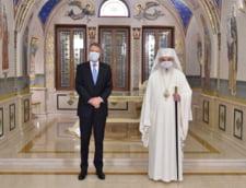"""Intalnire intre Klaus Iohannis si Patriarhul Daniel. """"Se inscrie in seria dialogurilor periodice care au ca subiect contributia BOR la binele comun"""""""