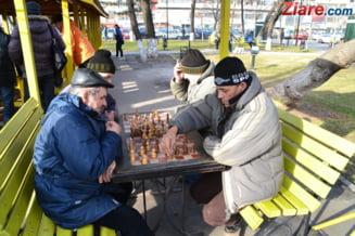 Pensionari de lux versus pensionari cu streangul de gat
