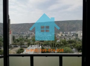 Продается 2,5 комнатная квартира в новостройке на Исани в Тбилиси