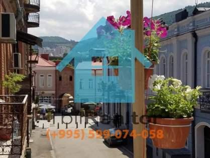 Сдается в долгосрочную аренду 3 комнатная квартира в Тбилиси рядом с пешеходной частью Агмашенебели