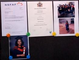 Diploma y fotografías del día del grado