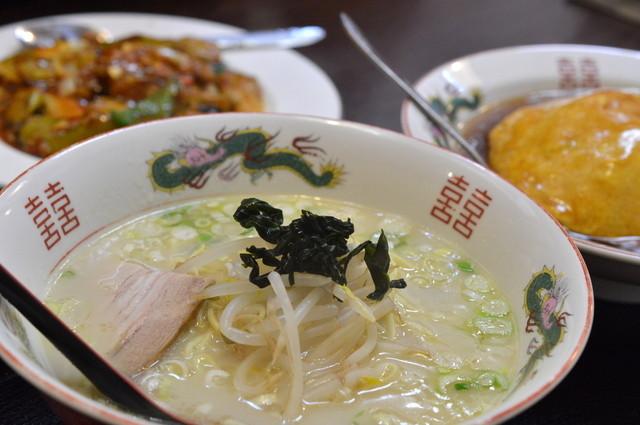 中華料理福泉餃子のラーメン