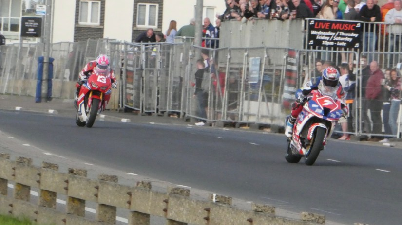 Gary Johnson and Lee Johnston fighting it out on the Superstocks at the 2018 NW2018 (17/05/2018)