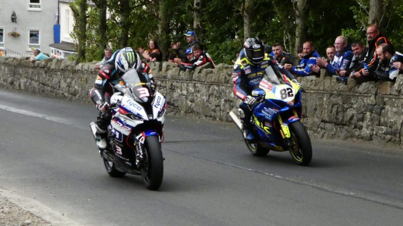 2019 Armoy Races : Michael Dunlop and Derek Shiels in the first superbike race
