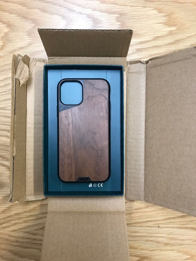 Mous Limitless 3.0 iPhone 11 Case and Packaging