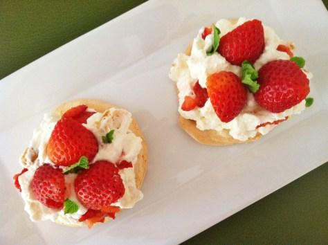 Strawberries Pavlova