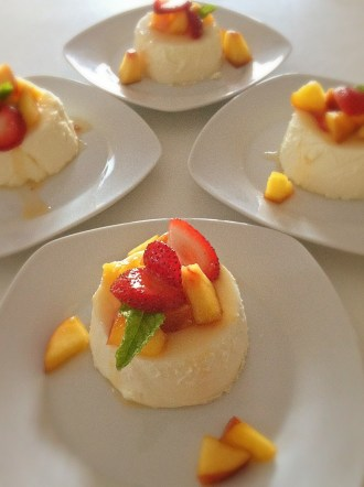 Panna Cotta Mousse with Season Fresh Fruits and Grand Marnier_2