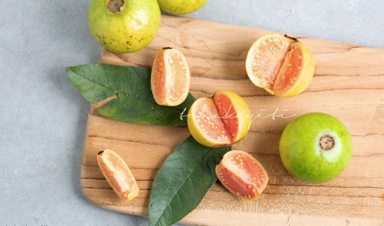 This guava story will leave you giggling, I promise it is a worthy read. Fair warning, it may change your perception of this fruit. | tchakayiti.com