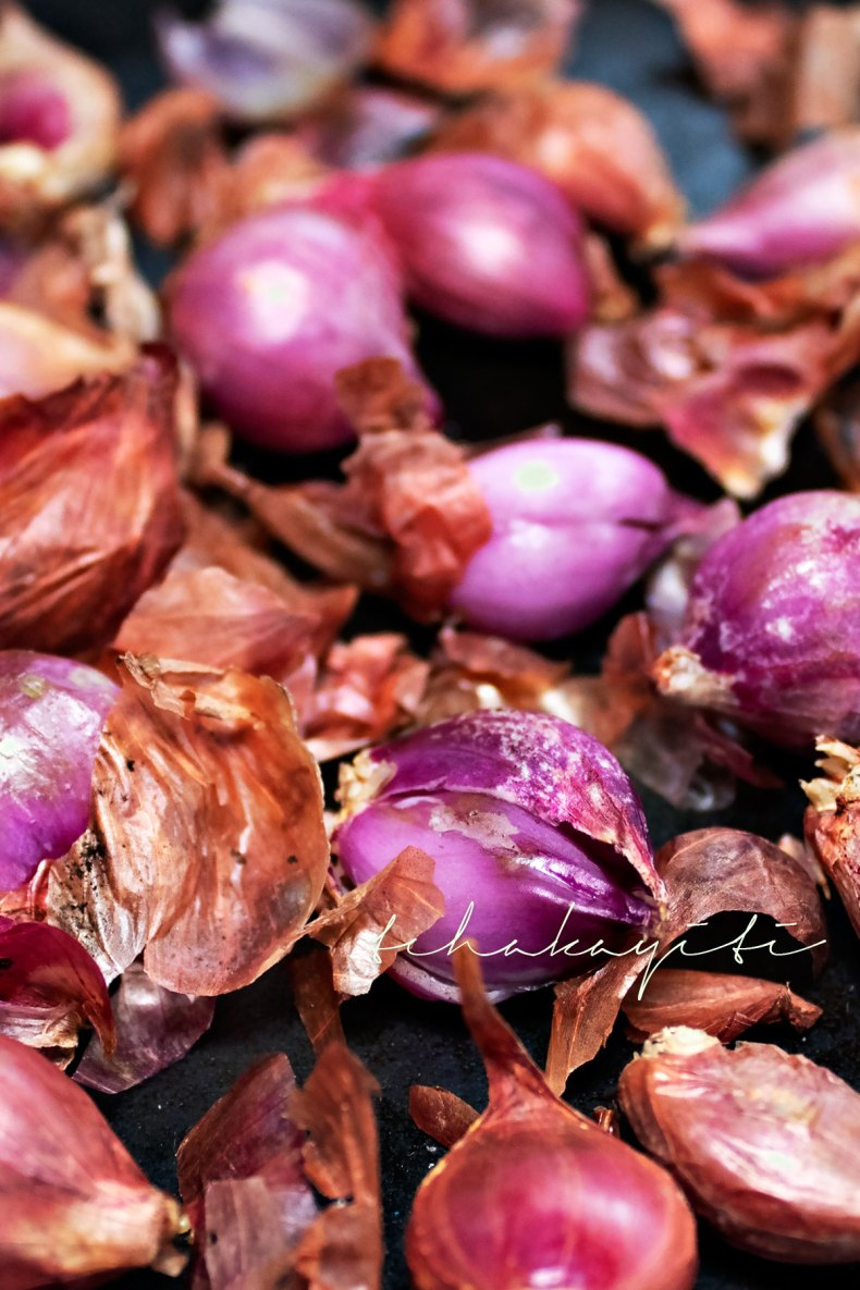 Follow this quick trick to enhance your shallots' purple color. | tchakayiti.com