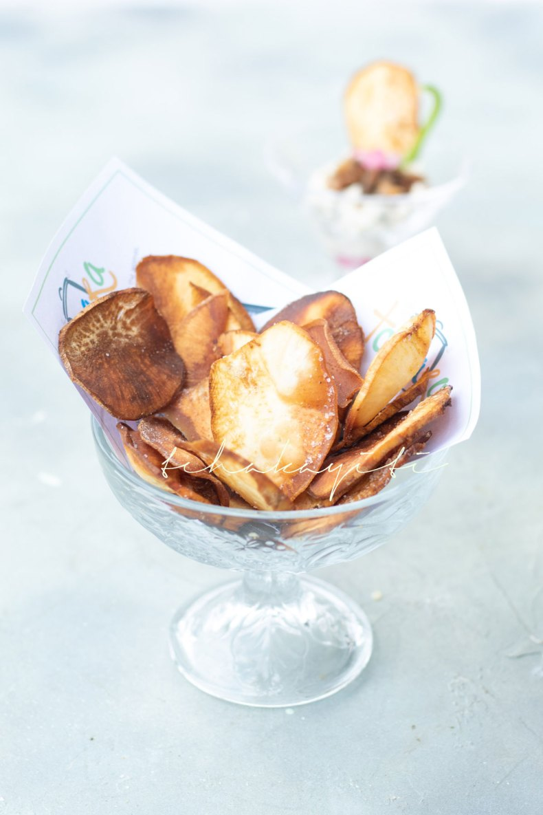 These Haitian sweet potato chips are slightly salted. | tchakayiti.com
