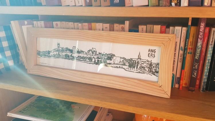Dessin panoramique Angers avec cadre