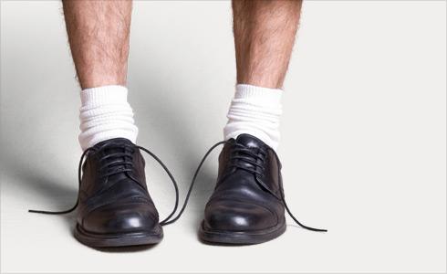 Fautes de style : chaussettes blanches