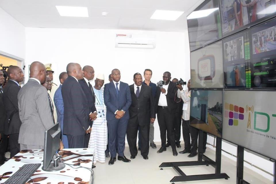 les autorités lors du lancement de la TNT en Cote d'ivoire