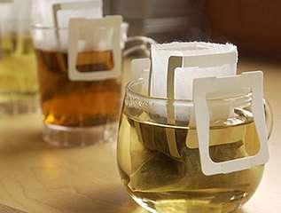 Innovative tea bag with a wonderful traveling tea tin