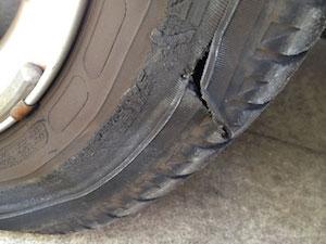 車 タイヤ パンク 交換、1