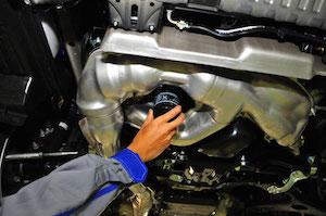 車 エンジンオイル 交換 方法 時期、4