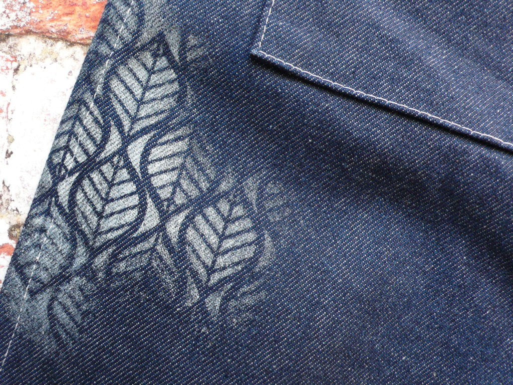 How to create a stencilled design on fabric