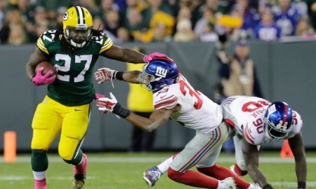Eddie Lacy runs for Packers first down versus Giants in 2016