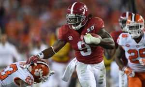 Bo Scarbrough breaks a tackle versus Clemson and scores a TD in 2017 CFP title game