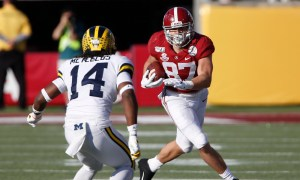 Miller Forristall with a catch versus Michigan in Citrus Bowl