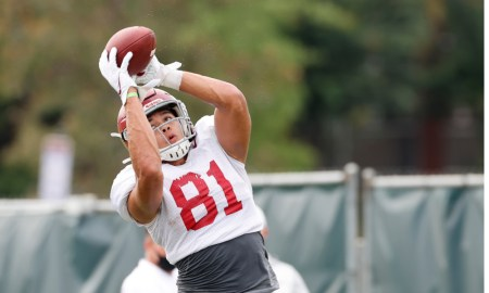 Cameron Latu with a catch at Alabama fall practice