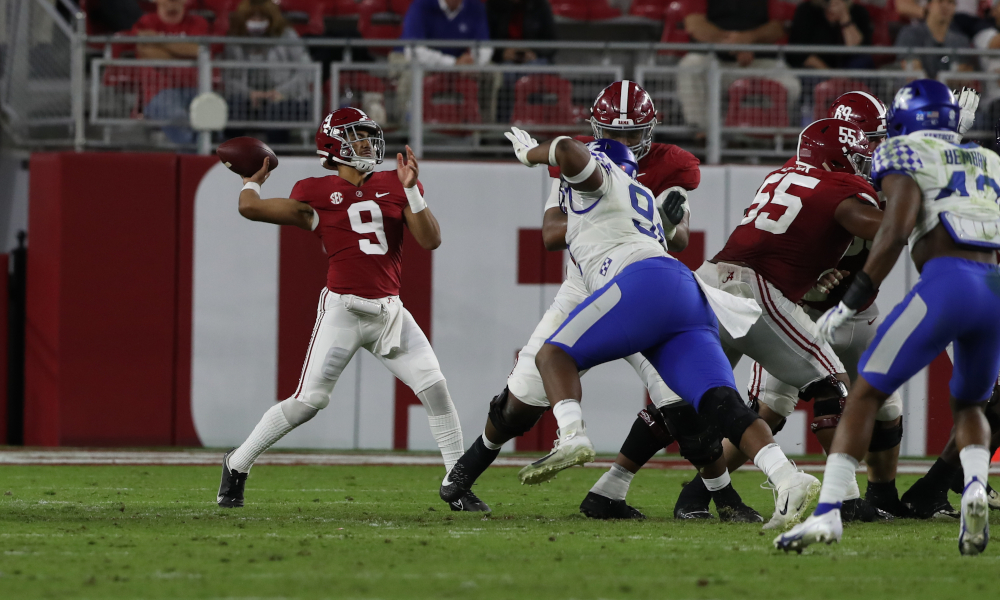 Bryce Young throws a pass from the pocket versus Kentucky