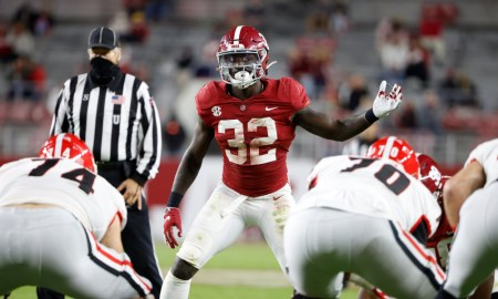 Dylan Moses (No. 32) in his stance for Alabama versus Georgia