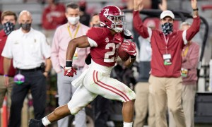 Jase McClellan runs for an Alabama touchdown versus Kentucky