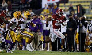 Najee Harris running down the sideline for Alabama in 2020 game versus LSU