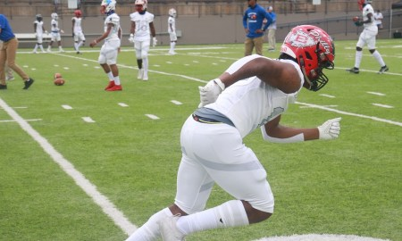 Alabama 4-Star commit Kadarius Calloway warms up for Alabama-Mississippi All-Star Game