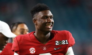 Jordan Battle of Alabama on the sideline for 2020 CFP title game
