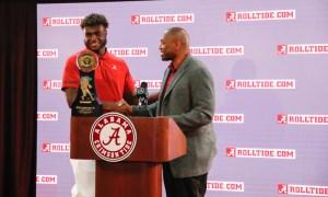 Will Anderson of Alabama accepting Shaun Alexander Freshman of the Year Award for 2020 season