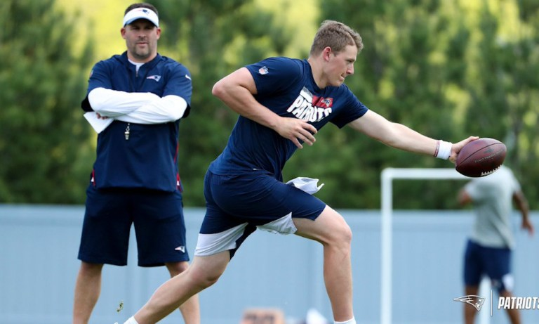 Mac Jones had coaches and teammates 'blown away' by his skills at Patriots rookie minicamp