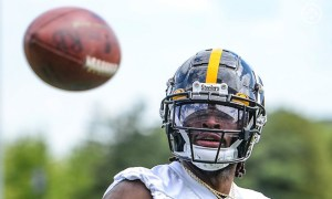 Najee Harris with a catch for the Steelers in rookie minicamp