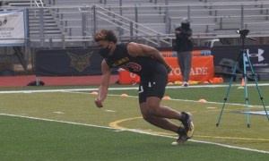 Keldric Faulk works out at Under Armour Camp