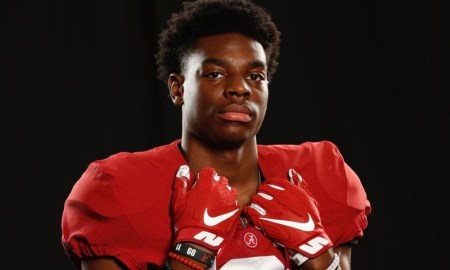 Terrance Brooks poses for picture doing Alabama official visit