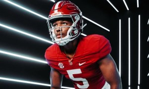 Shawn Murphy stands in linebacker stance during Alabama visit