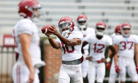 Jojo Earle with a catch in warmups for Alabama before scrimmage