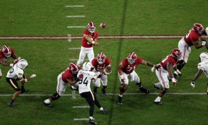 Bryce Young with a throw for Alabama versus USM